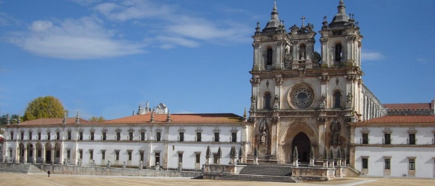 Abertura - Mosteiro de Alcobaça (1400 x 730)